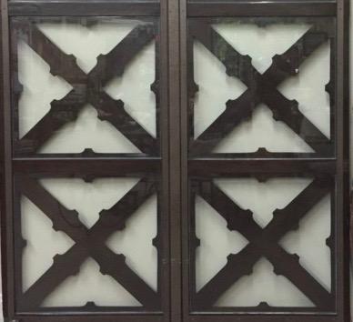 Benton Hayden Antiques-door